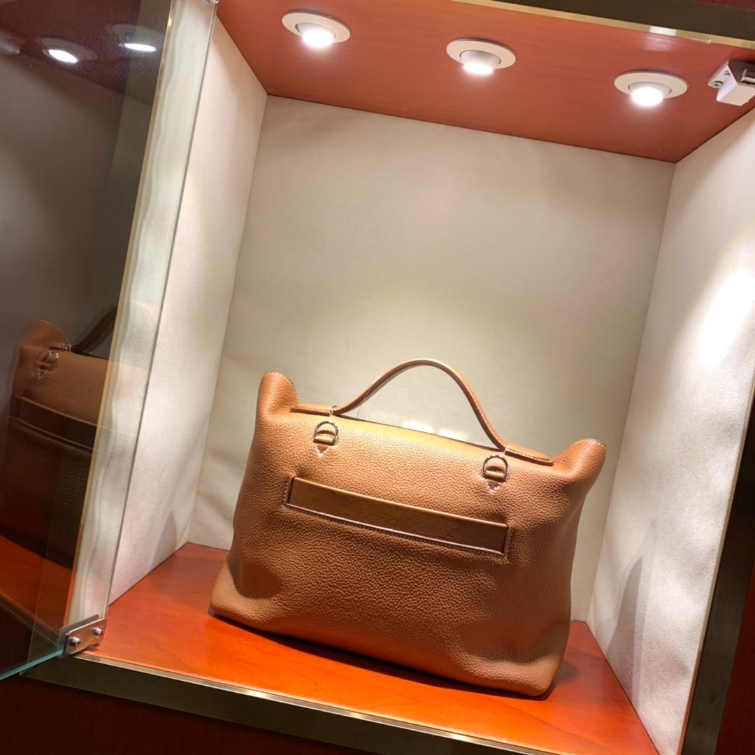 爱马仕包包批发 24-24Kelly 29cm 法国顶级Taurillon maurice 37 Gold 金棕 银扣 顶尖工艺 手缝蜜蜡线缝制
