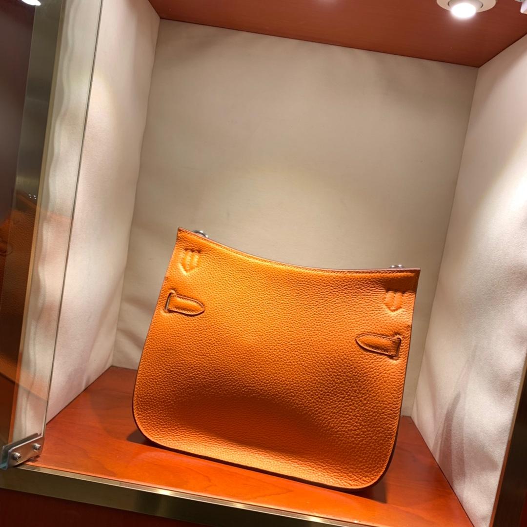 爱马仕包包 Jypsiere 28cm Clemence 93橙色 银扣 手缝蜜蜡线