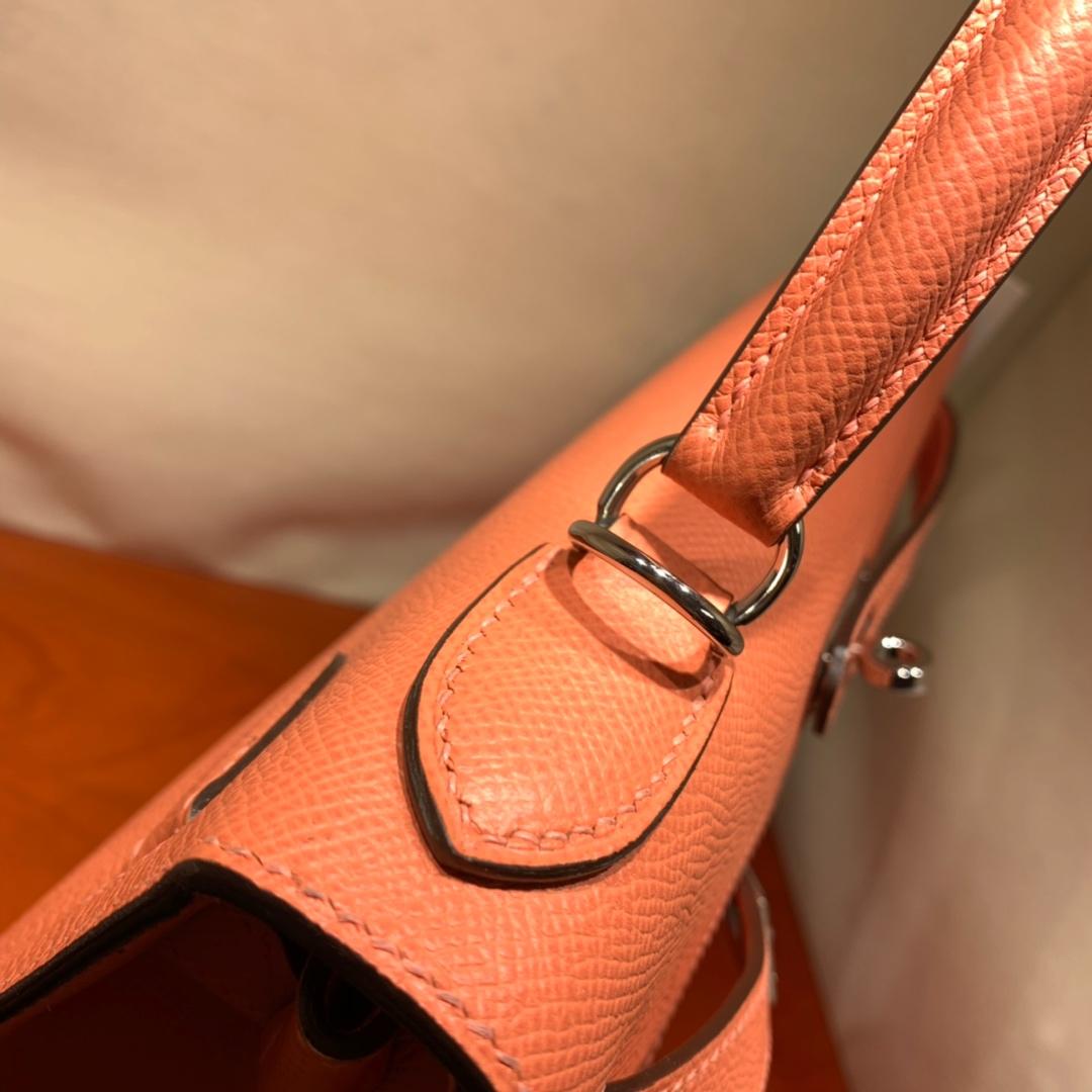 爱马仕凯莉包 Kelly28cm Epsom L5龙虾粉 金-银扣 蜜蜡线手缝