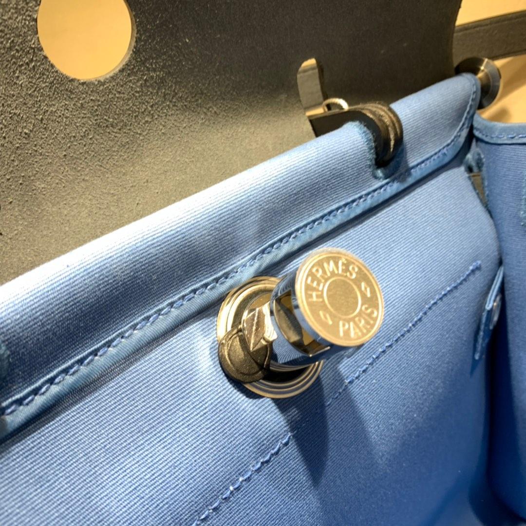 爱马仕包包批发 Herbag 31cm Blue Paradis/Noir 手缝蜡线顶级工艺