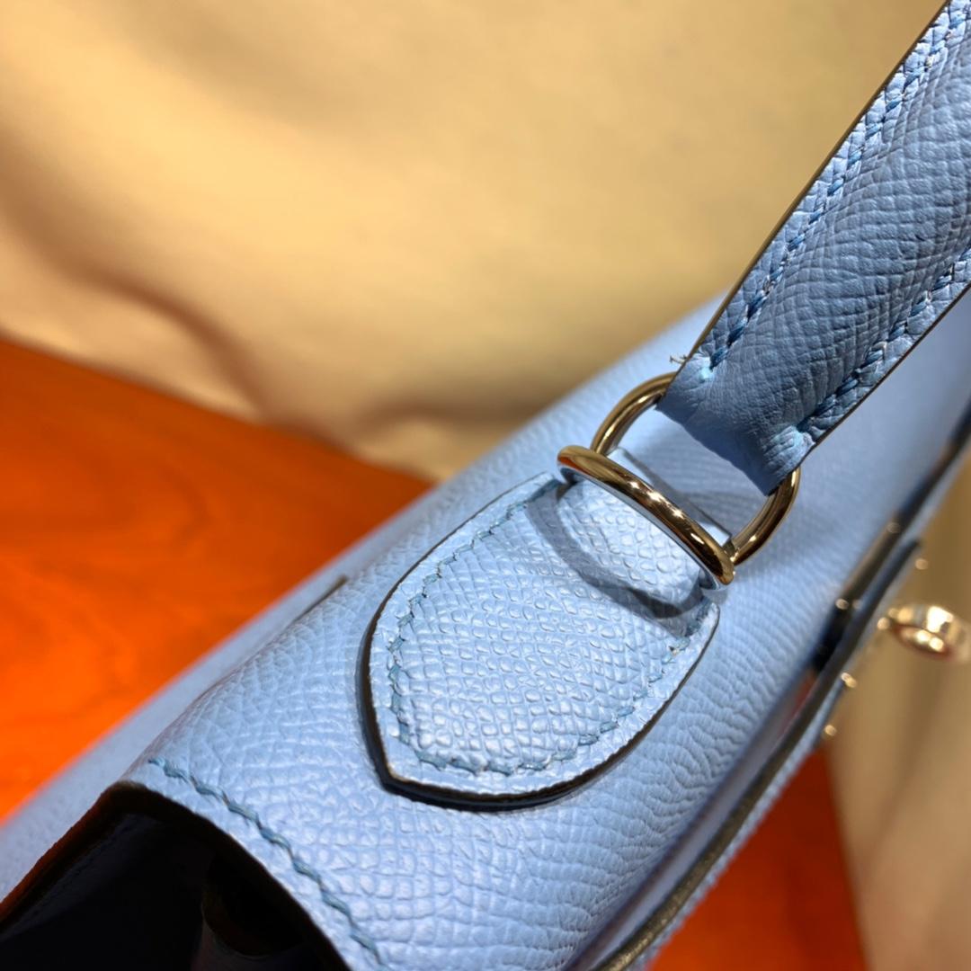 爱马仕凯莉包 Kelly28cm Epsom 2T天堂蓝 银扣 蜜蜡线手缝