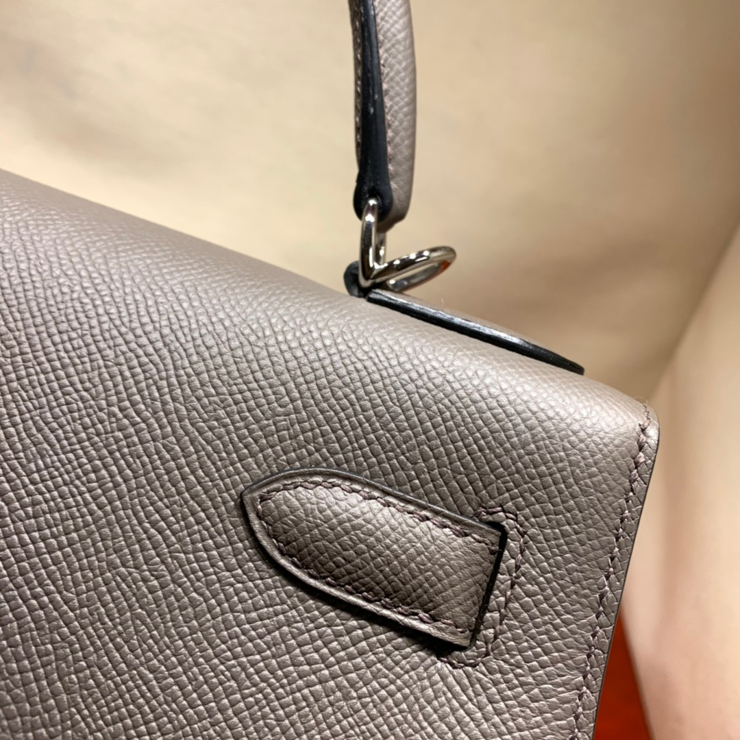 爱马仕凯莉包 Kelly28cm Epsom 8F沥青灰 银扣 蜜蜡线手缝
