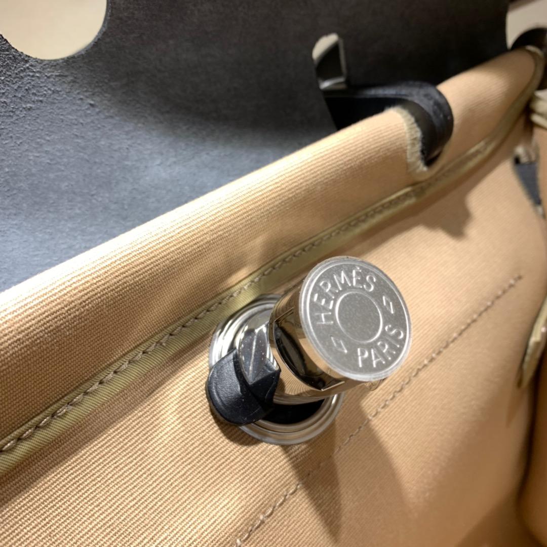 爱马仕包包批发 Herbag 31cm Trench/Noir 手缝蜡线顶级工艺