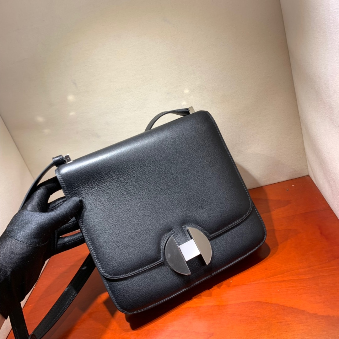 爱马仕包包批发 2002 20cm Evercolor 89黑色 珐琅扣