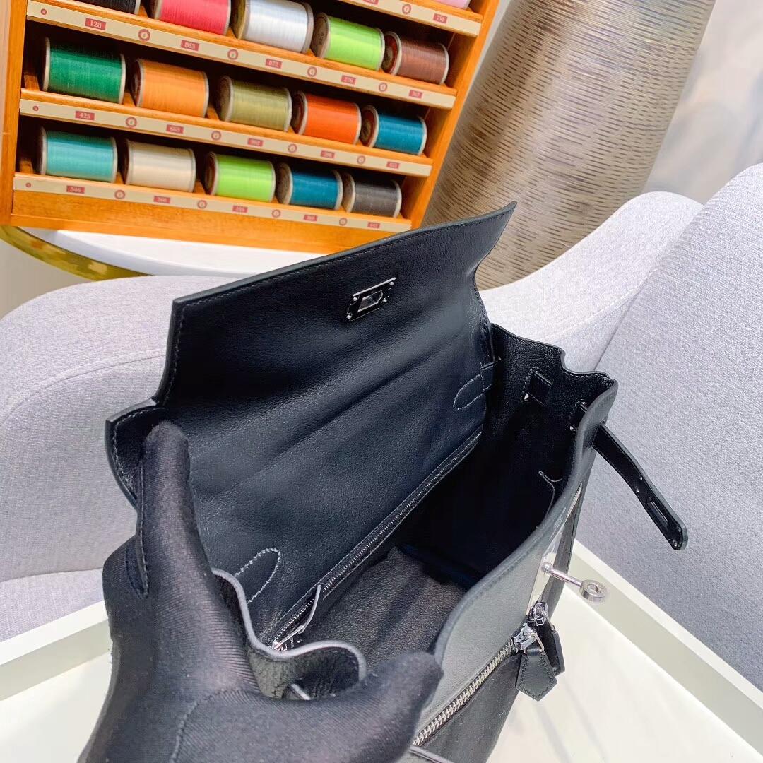 爱马仕包包批发 Kelly Lakis 28cm Swift 黑色拼帆布 银扣