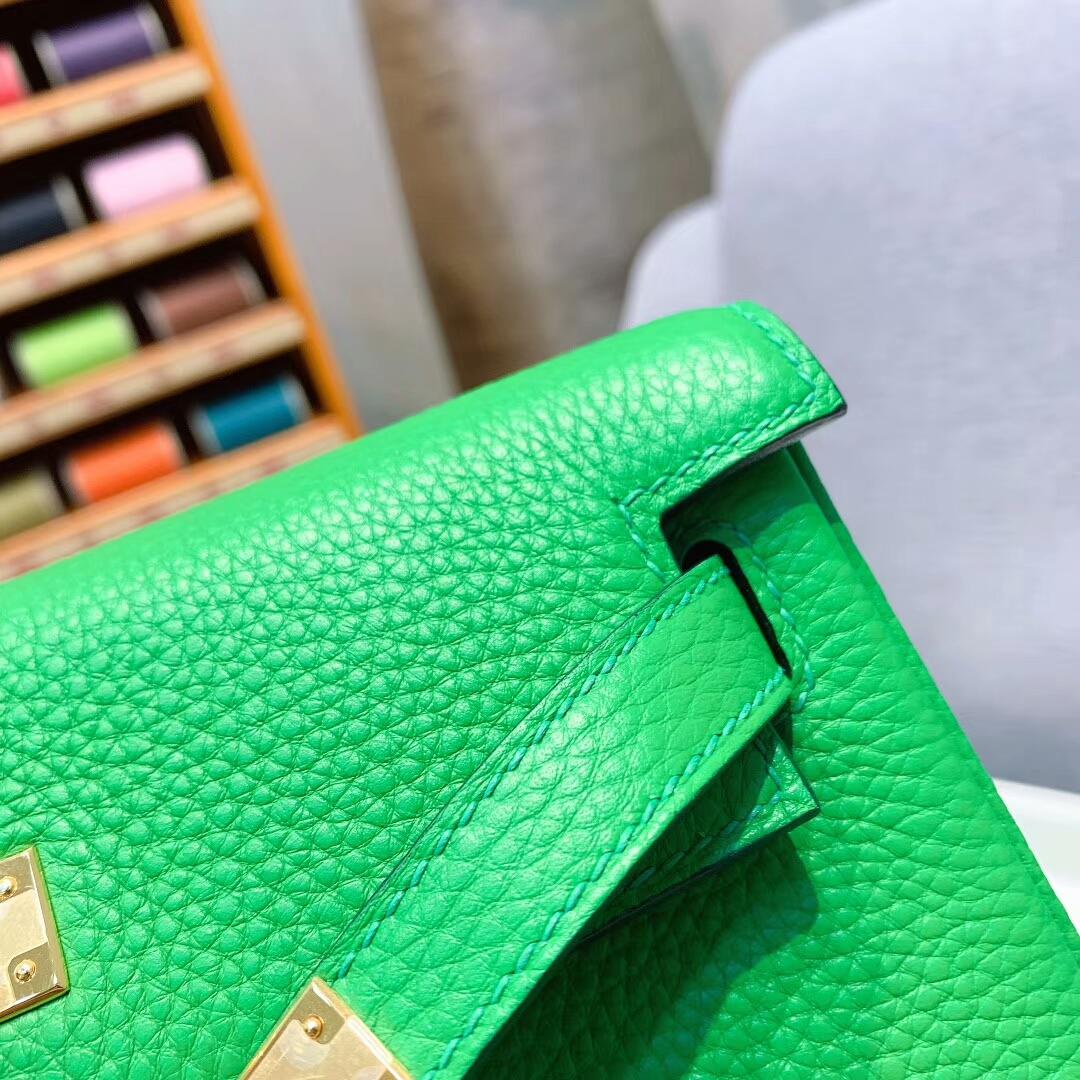 爱马仕包包 Kelly Ado 22cm Clemence 1K竹子绿 金-银扣 蜜蜡线手缝