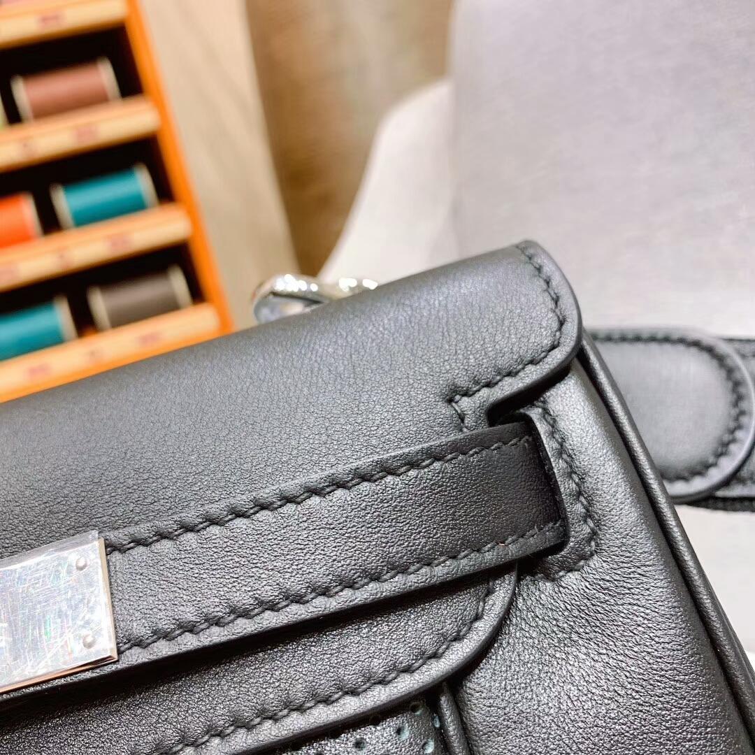爱马仕包包批发 Berline 20cm Swift 89黑色 银扣 蜜蜡线手缝