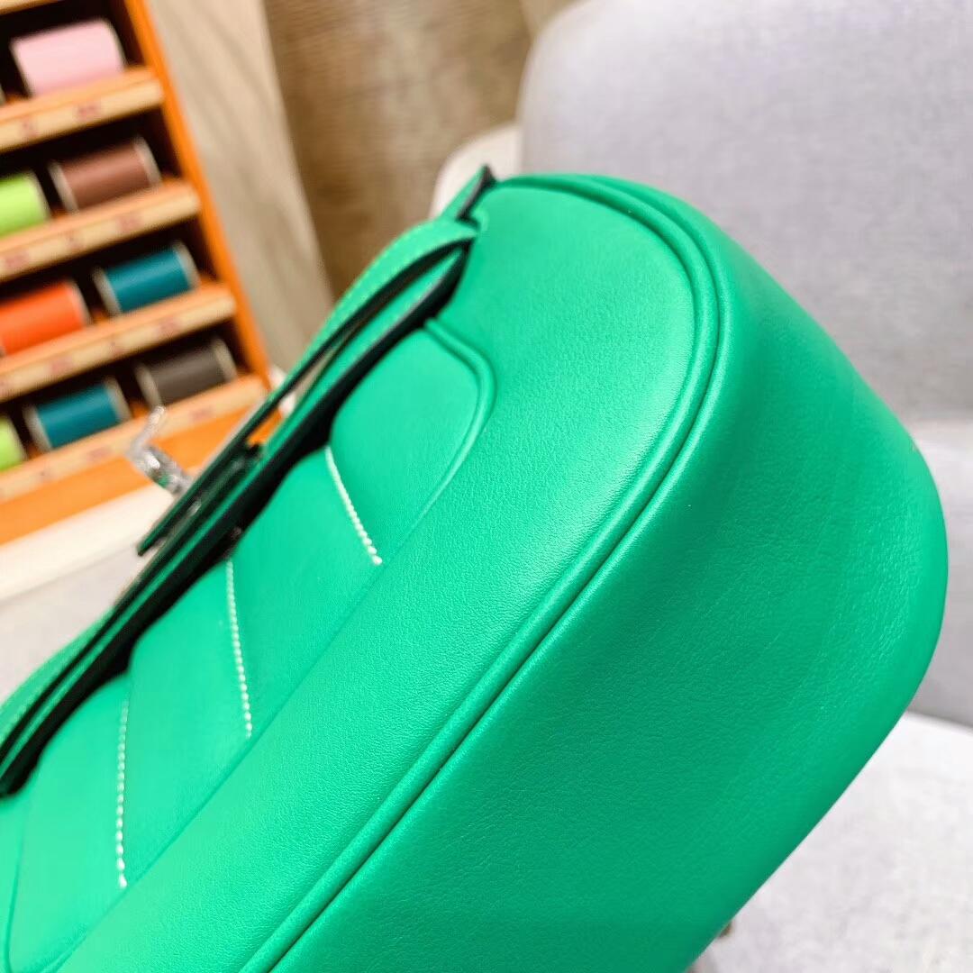 爱马仕包包批发 Berline 20cm Swift U4丝绒绿 银扣 蜜蜡线手缝