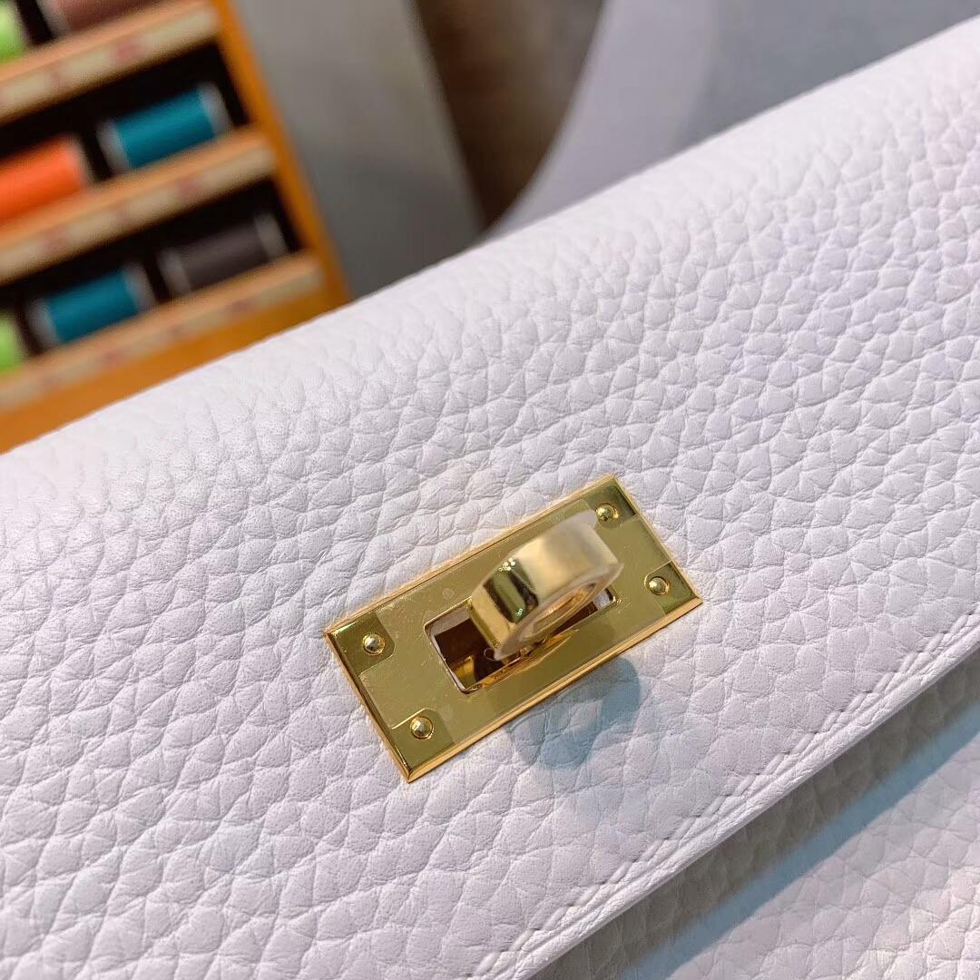 爱马仕包包 Kelly Ado 22cm Clemence 01纯白 金-银扣蜜蜡线手缝