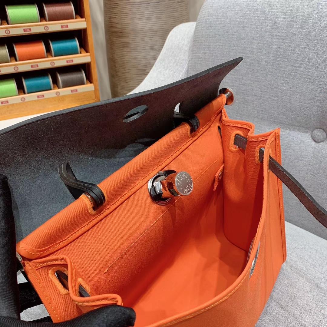 爱马仕包包 Herbag 31cm 93橙色 蜡线全手缝