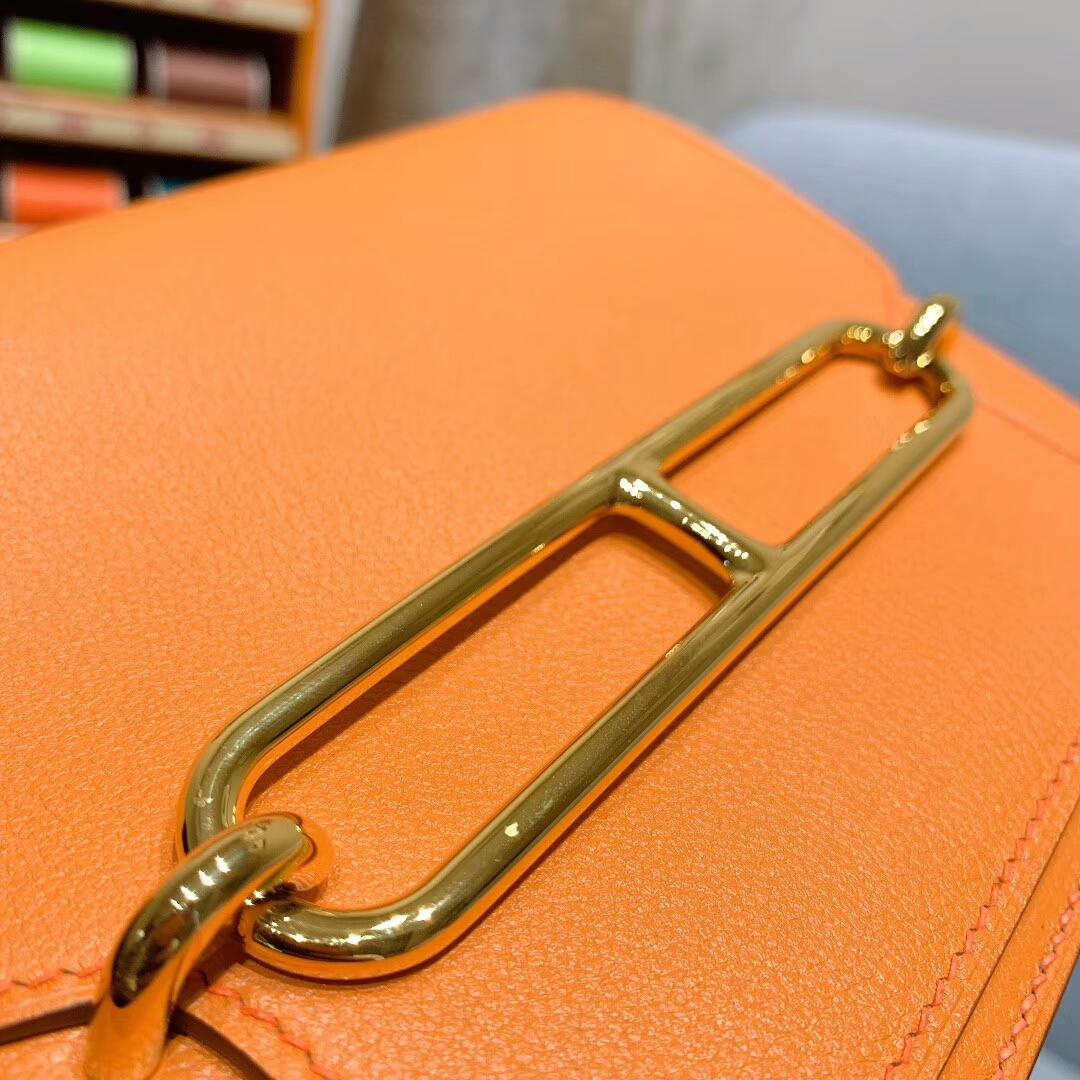 爱马仕猪鼻子 Roulis 19cm Evercolor 9I杏黄 金扣 蜜蜡线手缝