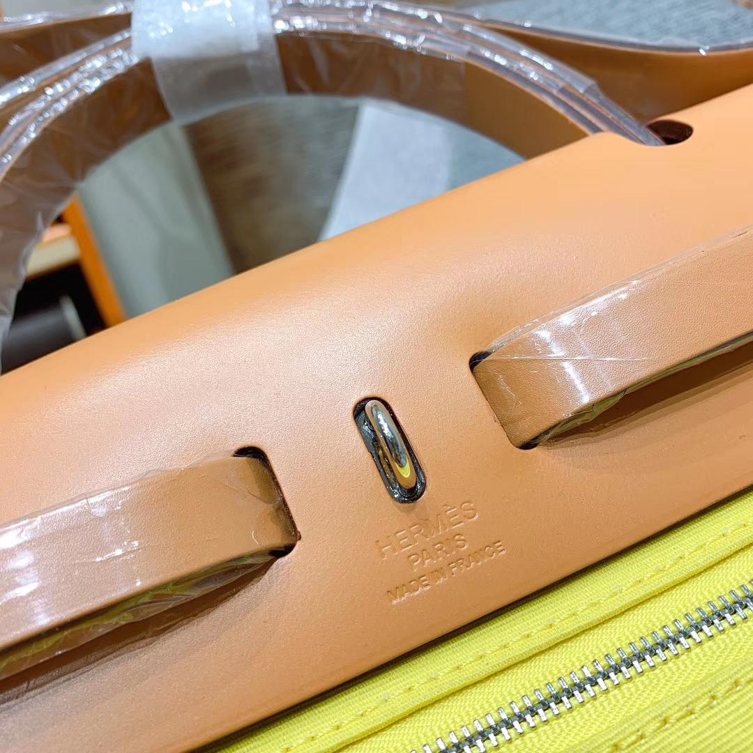 爱马仕包包 Herbag 31cm 9O那不勒斯黄 蜡线全手缝