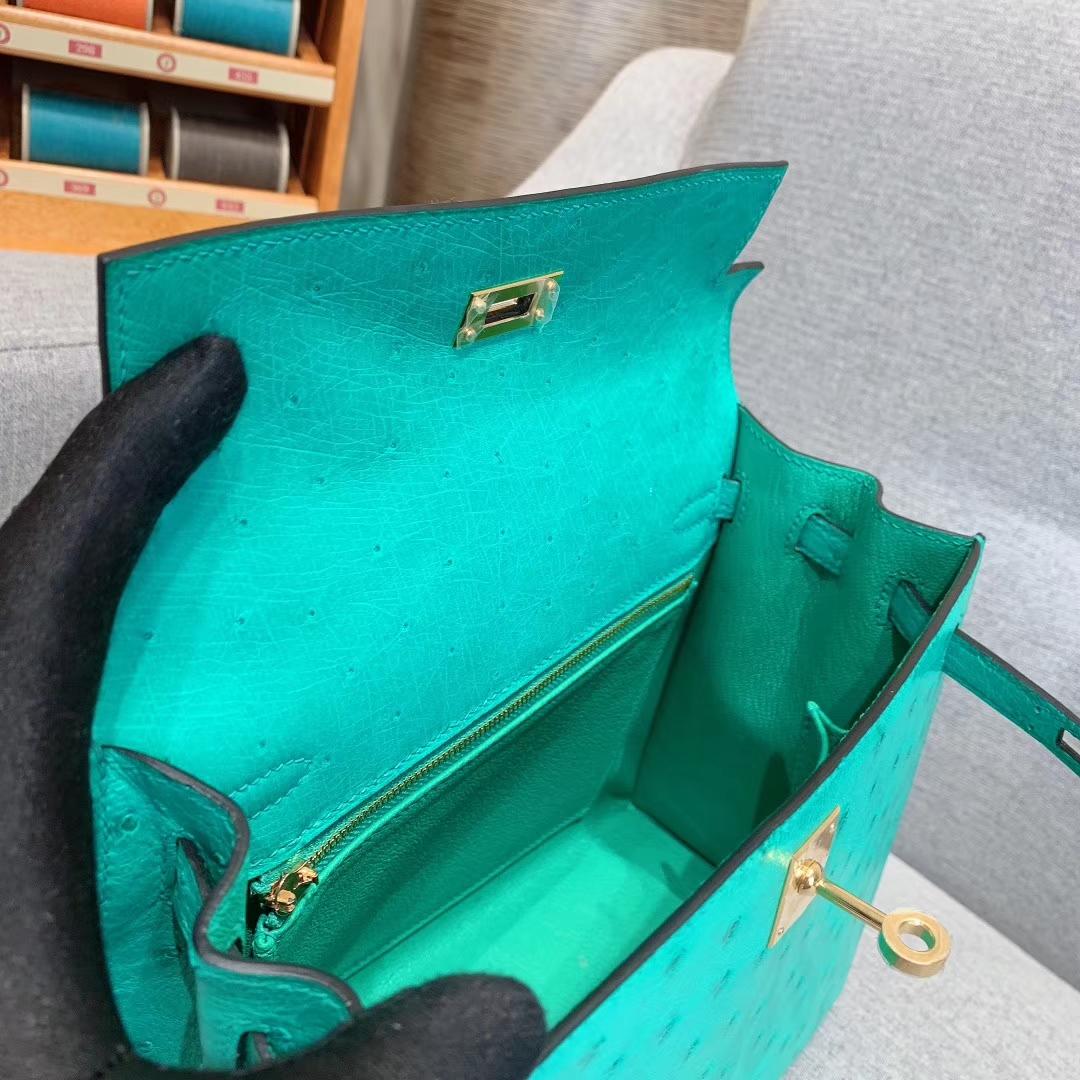 爱马仕包包 Kelly 25cm Ostrich 6U薄荷绿 金扣