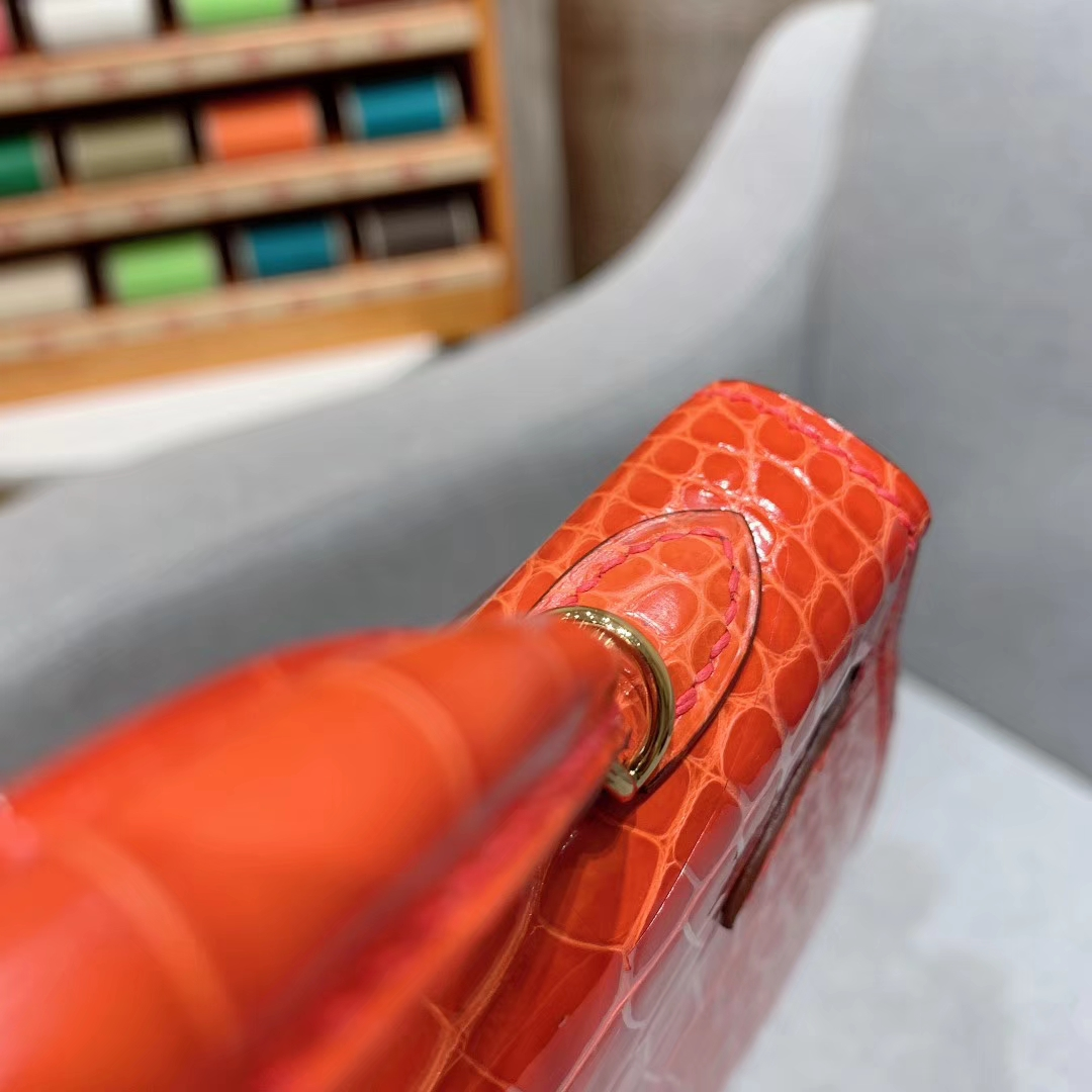 爱马仕包包批发 Mini Kelly二代 Alligator Crocodile 方块美洲鳄 9J火焰橙 金扣