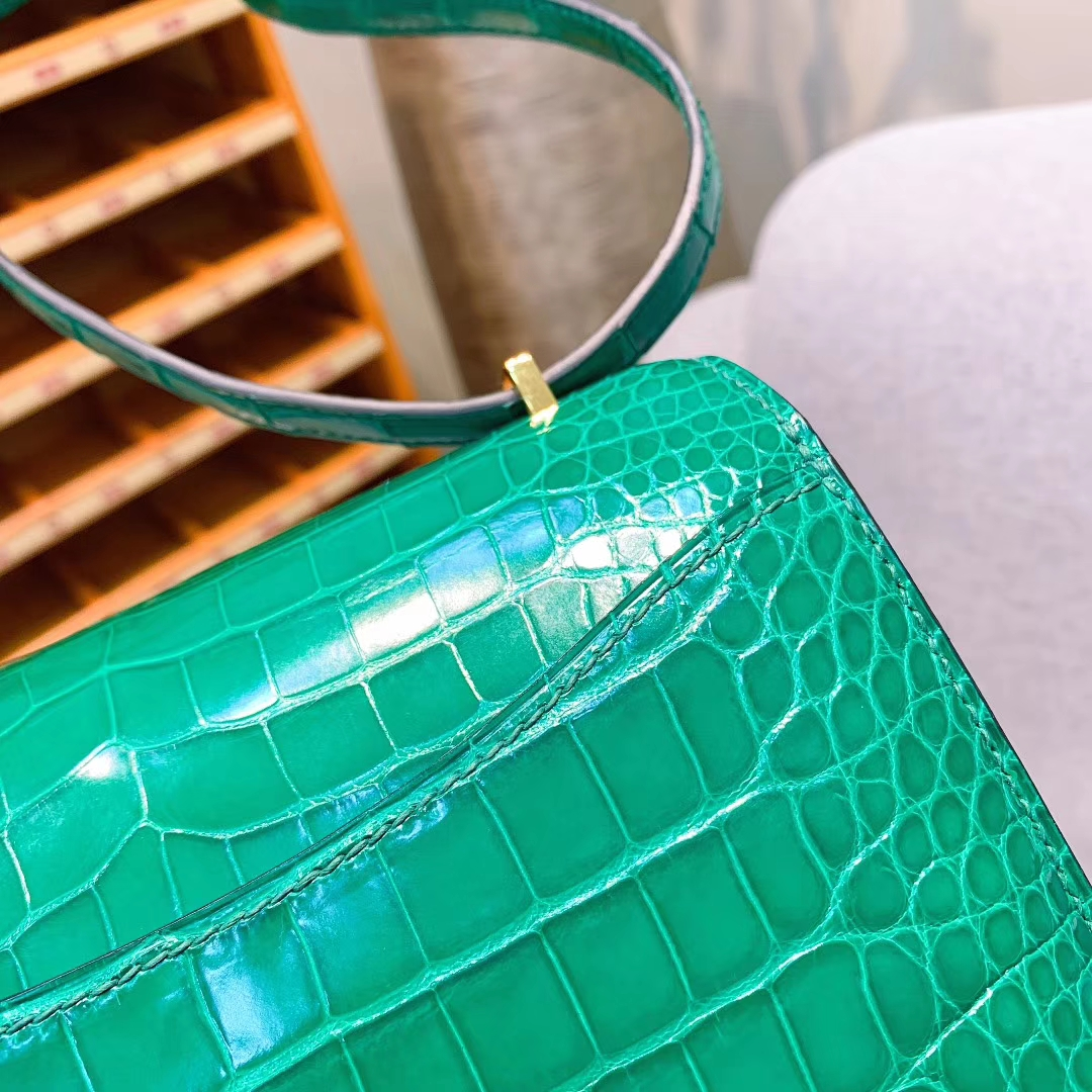 Hermes爱马仕 Constance 19cm Alligator Crocodile 亮面方块美洲鳄 6Q翡翠绿 金扣