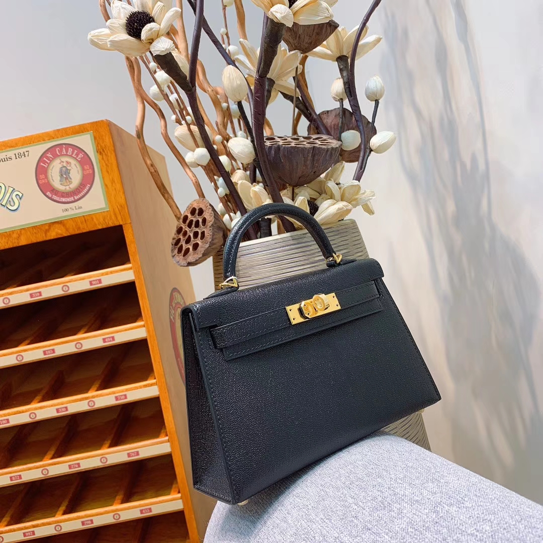 爱马仕包包 Mini Kelly2代 19cm Chevre山羊皮 89黑色 金扣 蜜蜡线全手缝