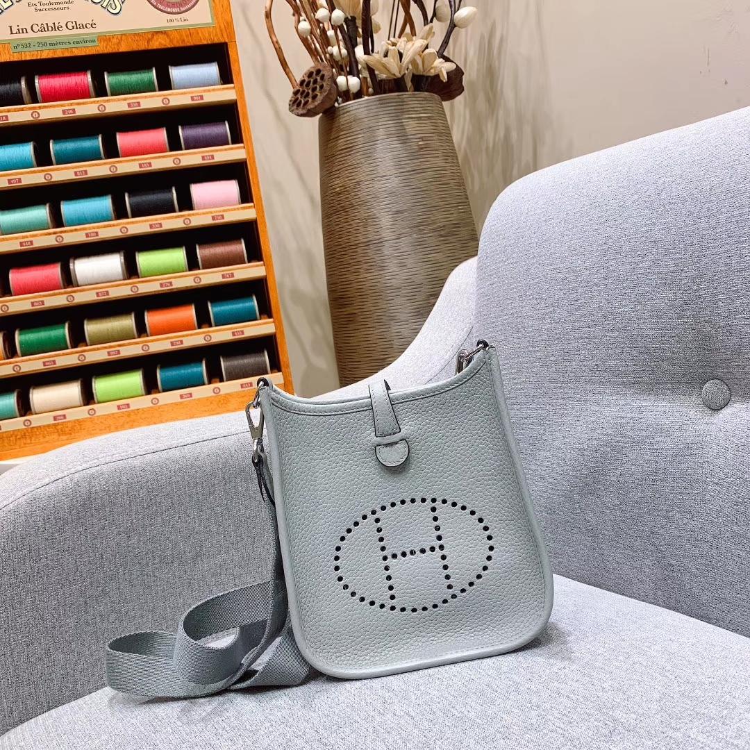 Hermes包包 Mini Evelyn 17cm Clemence 8U冰川蓝 银扣 蜜蜡线手缝