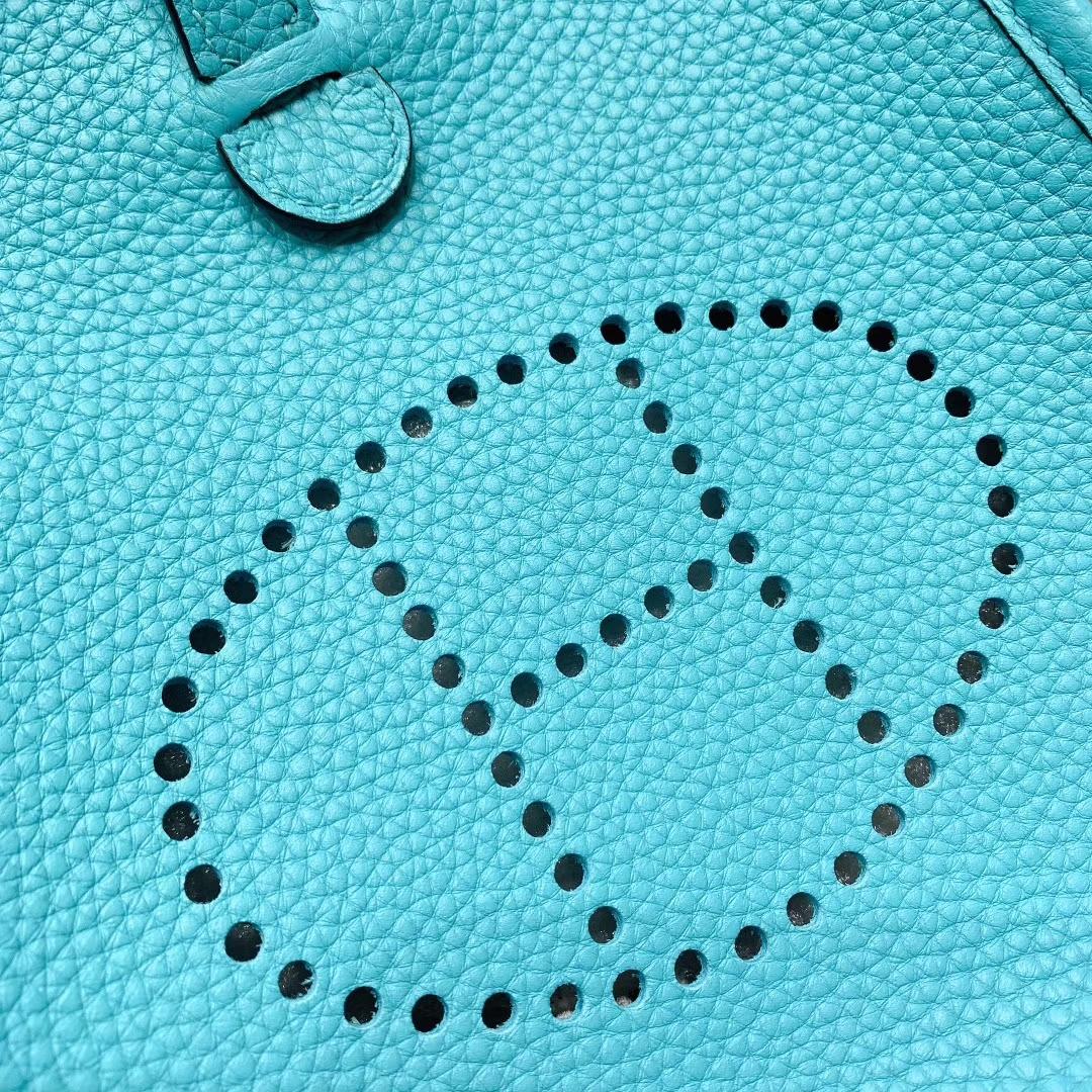 Hermes包包 Mini Evelyn 17cm Clemence 3P马卡龙蓝 银扣 蜜蜡线手缝