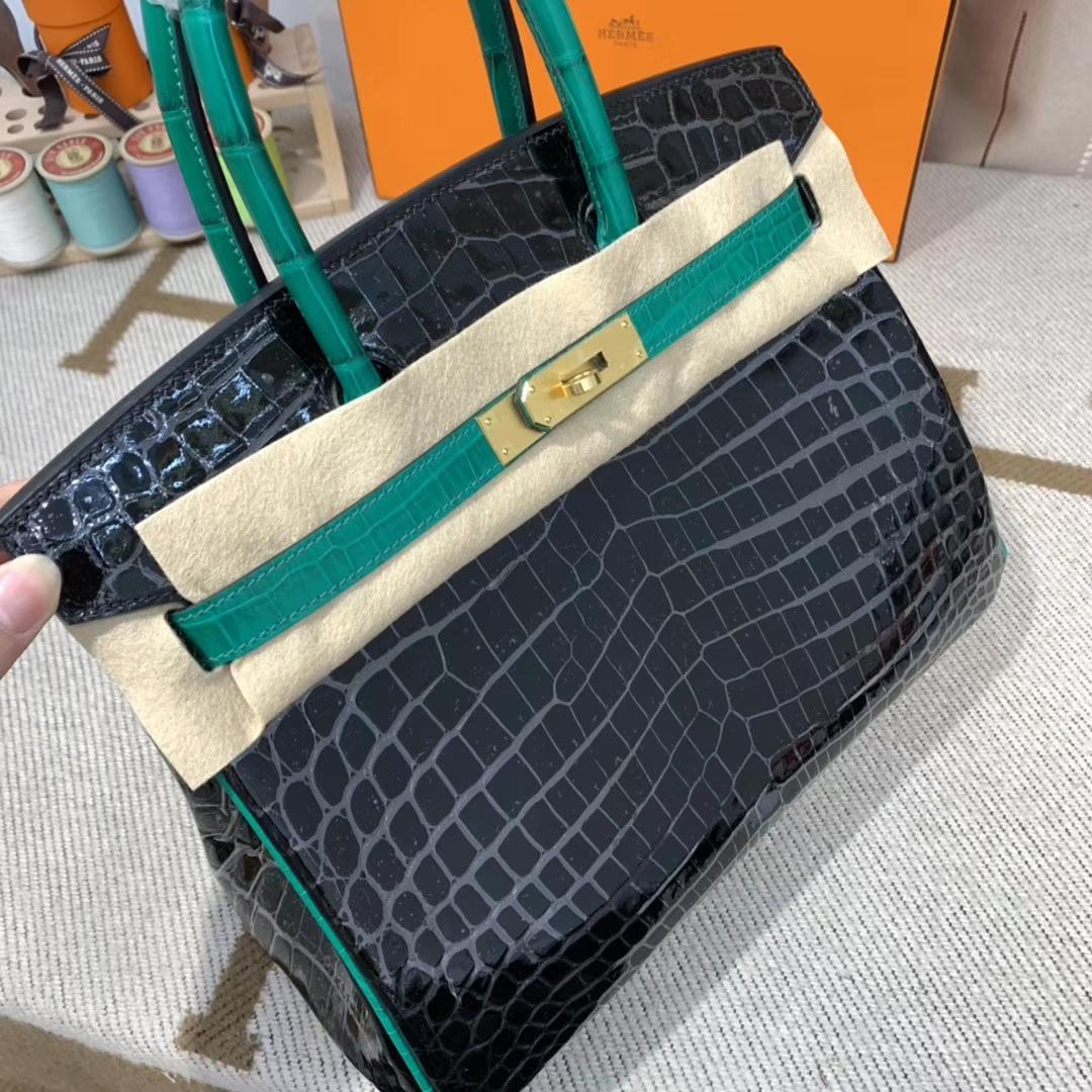 爱马仕包包 Birkin 30cm 尼罗鳄 黑色拼翡翠绿 金扣