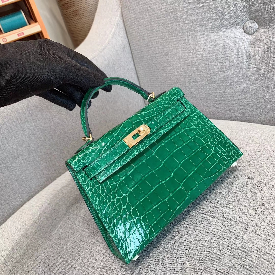 爱马仕包包批发 Mini Kelly 2代 亮面美洲方块鳄 6Q翡翠绿 金-银扣