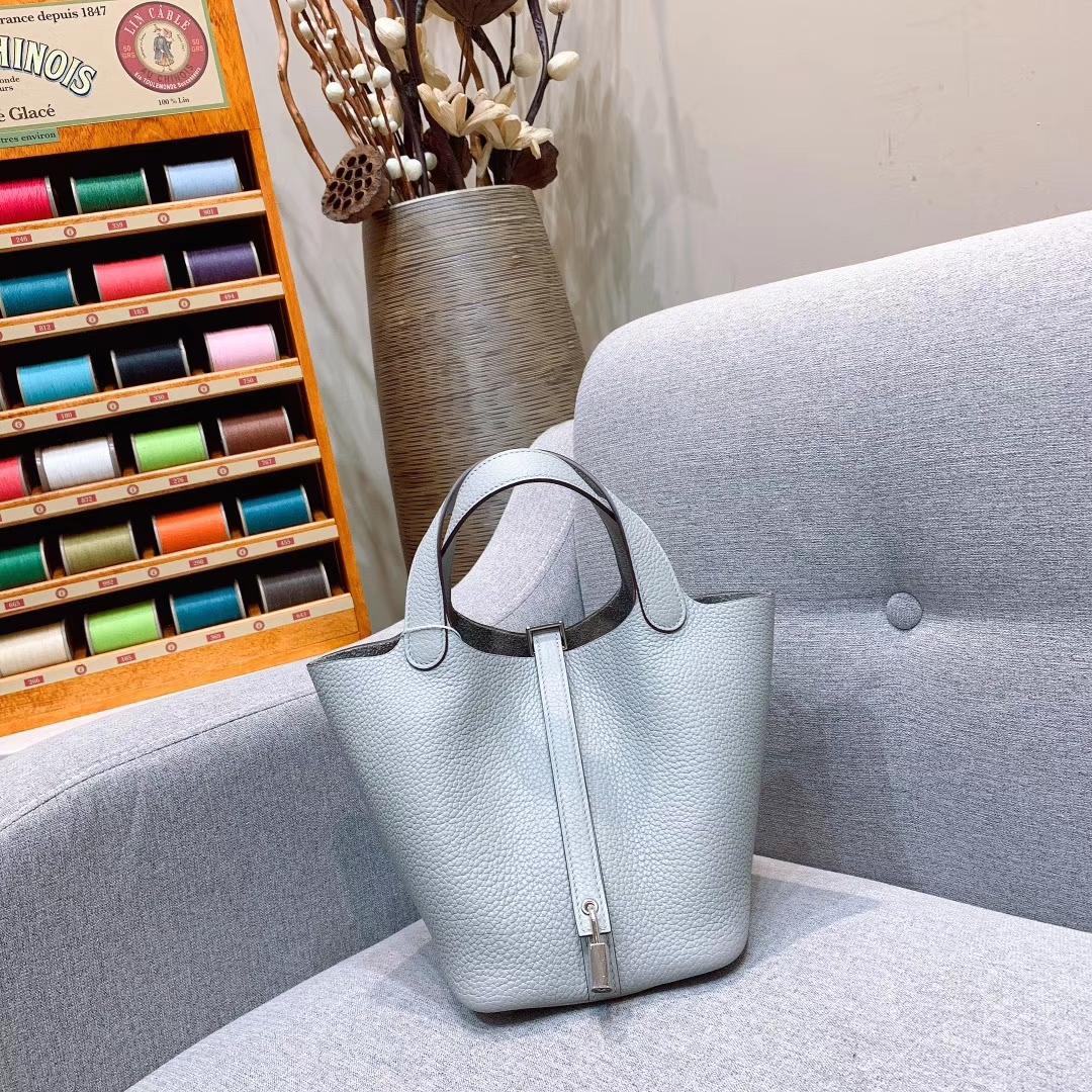 爱马仕菜篮子 Picotin Lock 18cm Clemence皮 8U冰川蓝 金-银扣