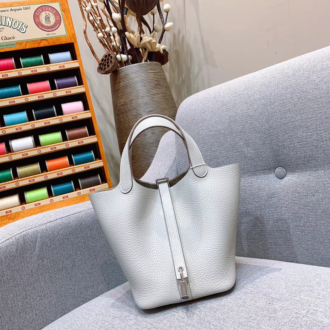爱马仕菜篮子 Picotin Lock 18cm Clemence皮 80珍珠灰 金-银扣