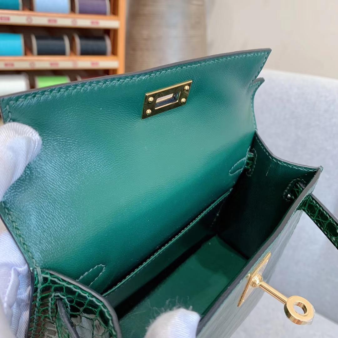 爱马仕包包批发 Mini Kelly 2代 亮面美洲方块鳄 67祖母绿 金-银扣