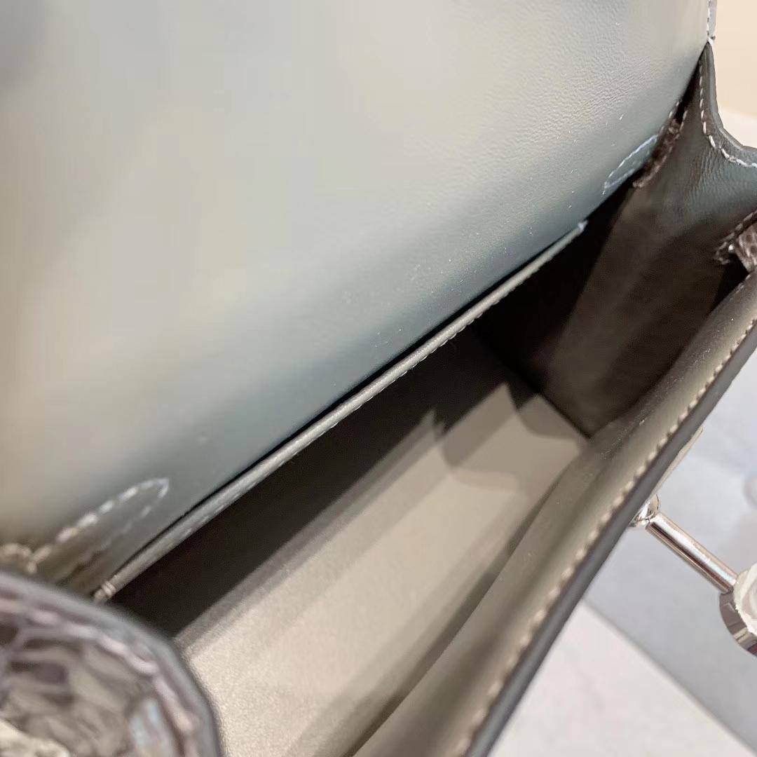 爱马仕包包批发 Mini Kelly 2代 亮面美洲方块鳄 81斑鸠灰 金-银扣