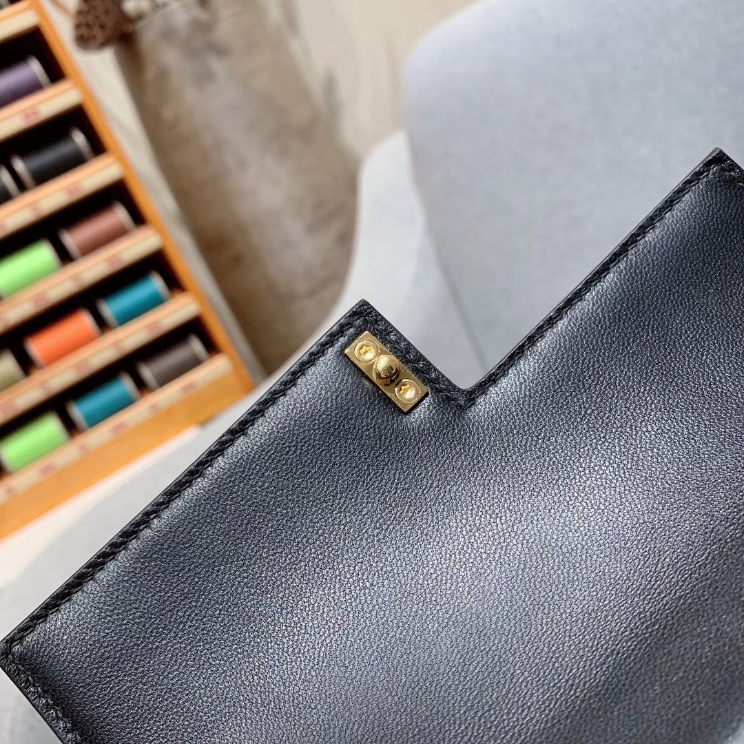 爱马仕包包批发 Verrou 17cm Box 法国原产HAAS小公牛皮 89黑色 金扣