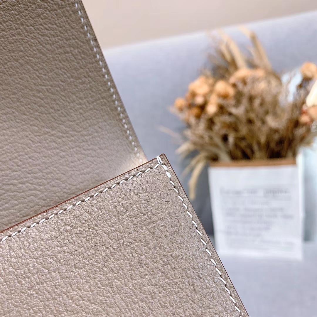 爱马仕包包 CDC手包 山羊皮 大象灰 金扣 蜡线手缝