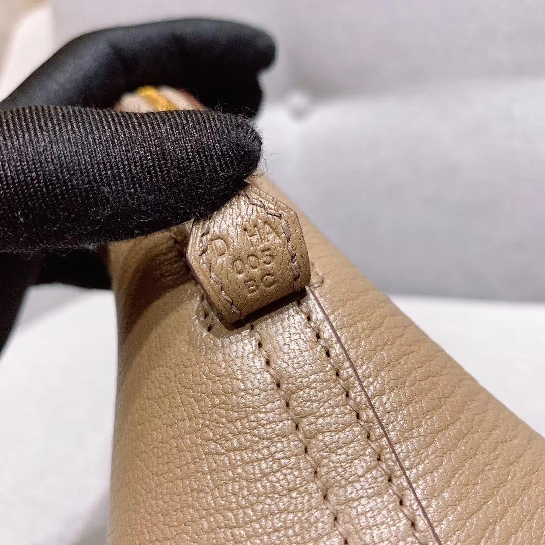 广州白云皮具城 Mini Bolide 保龄球 18cm 山羊皮 大象灰 金扣