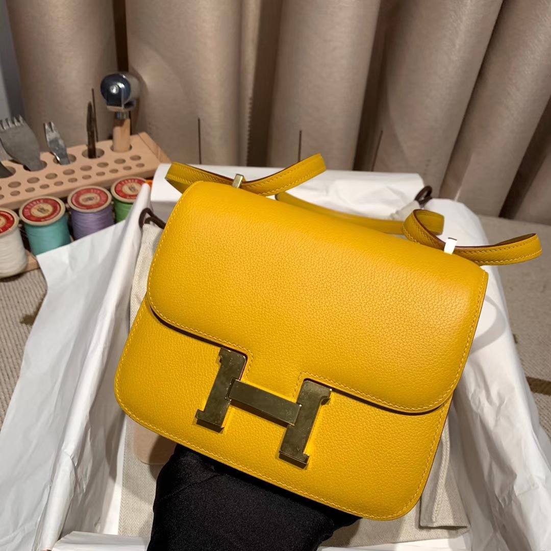 Hermes爱马仕 Constance 19cm Evercolor 9D琥珀黄 金扣