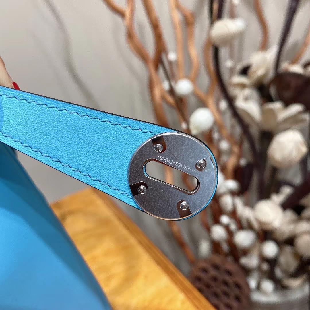 爱马仕包包 Lindy 26cm Swift皮 编织手柄 北方蓝 银扣
