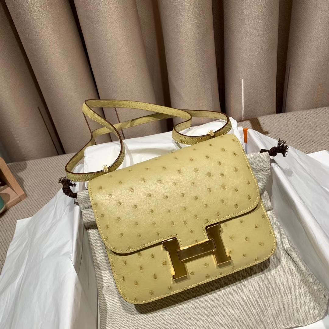 爱马仕包包 Constance 19cm 南非鸵鸟 1Z小鸡黄 金扣