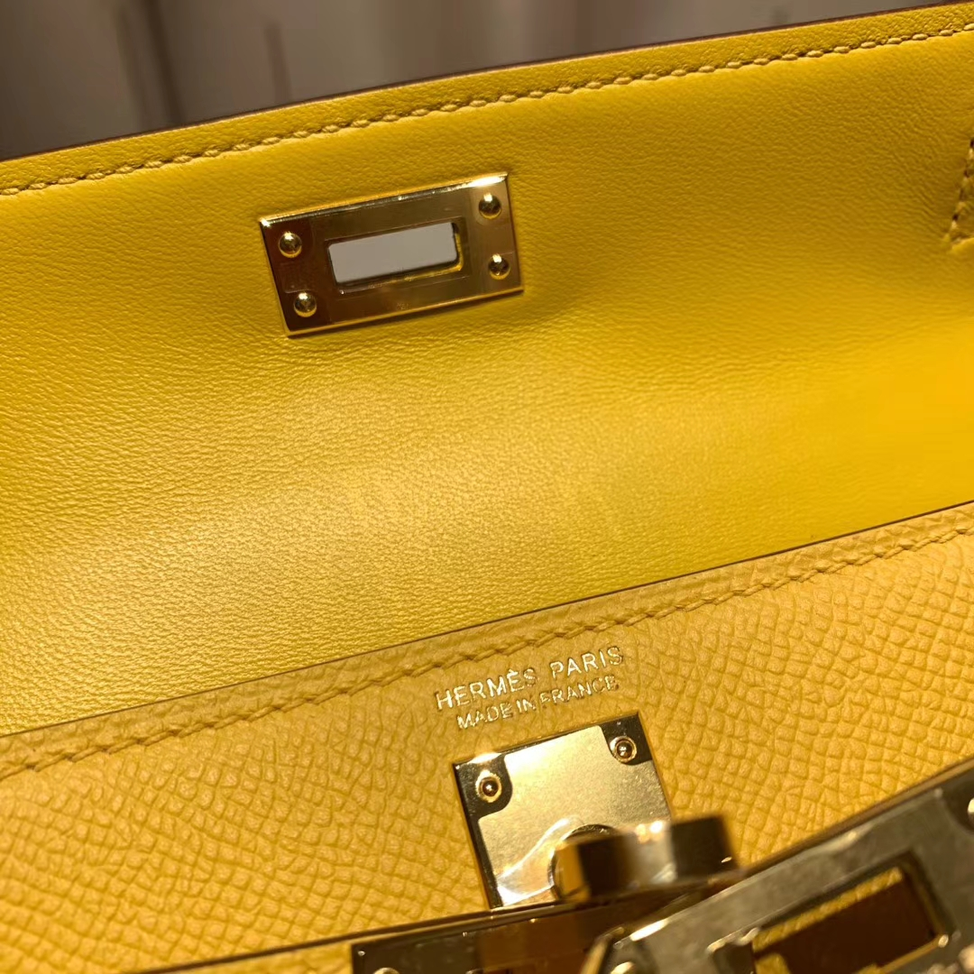 爱马仕包包官网 Mini Kelly二代 Epsom 9D琥珀黄 金扣 蜡线手缝
