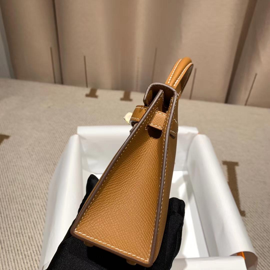 爱马仕包包官网 Mini Kelly二代 Epsom 37金棕 金扣 蜡线手缝