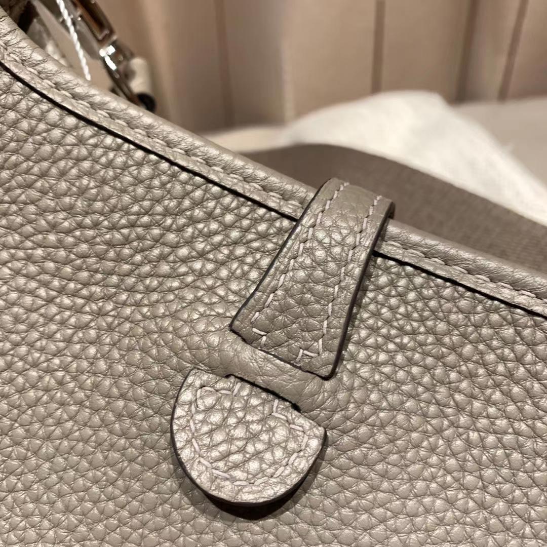 Hermes爱马仕 Evelyn 16cm Clemence Tc皮 M8沥青灰 银扣