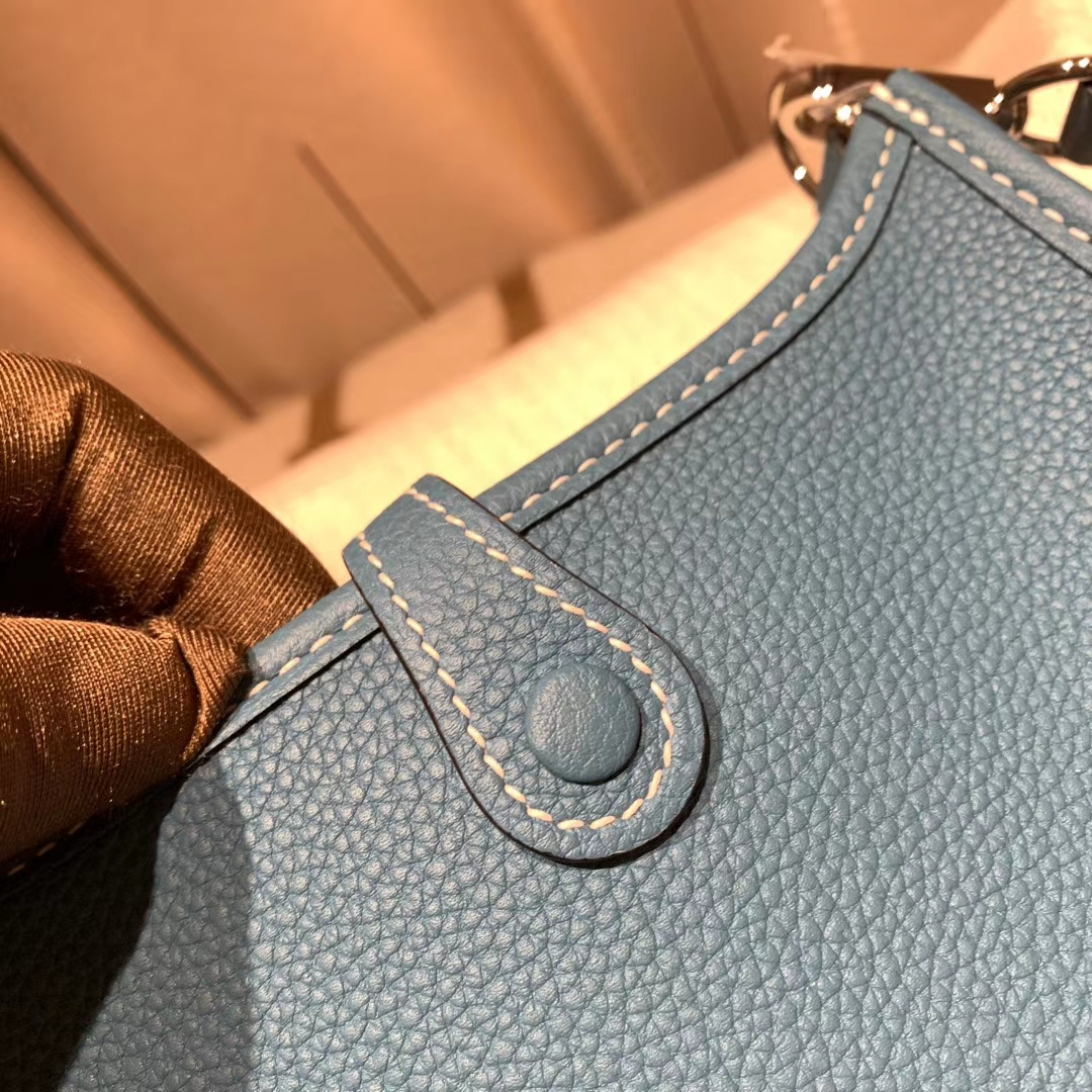 Hermes爱马仕 Evelyn 16cm Clemence Tc皮 75牛仔蓝 银扣