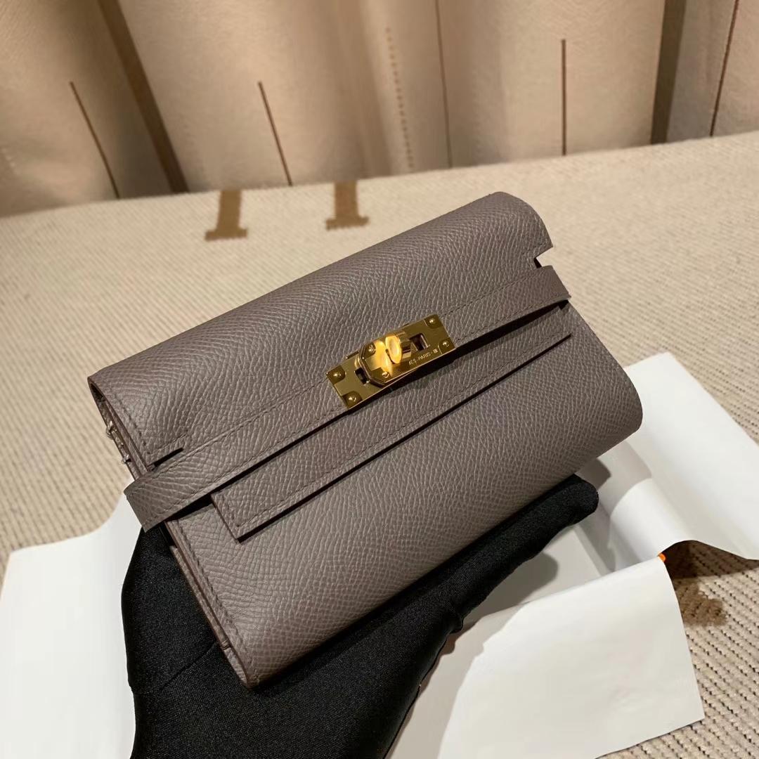 Hermes爱马仕 Kelly Compacr Waller Epsom 8F锡器灰 金扣 小版的Kelly钱包