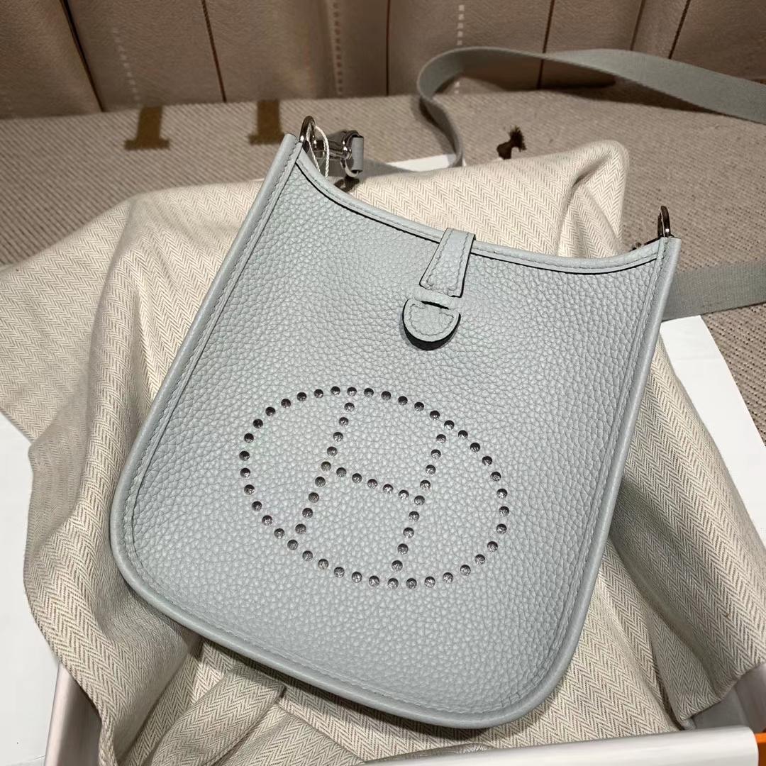 Hermes爱马仕 Evelyn 16cm Clemence Tc皮 8U冰川蓝 银扣