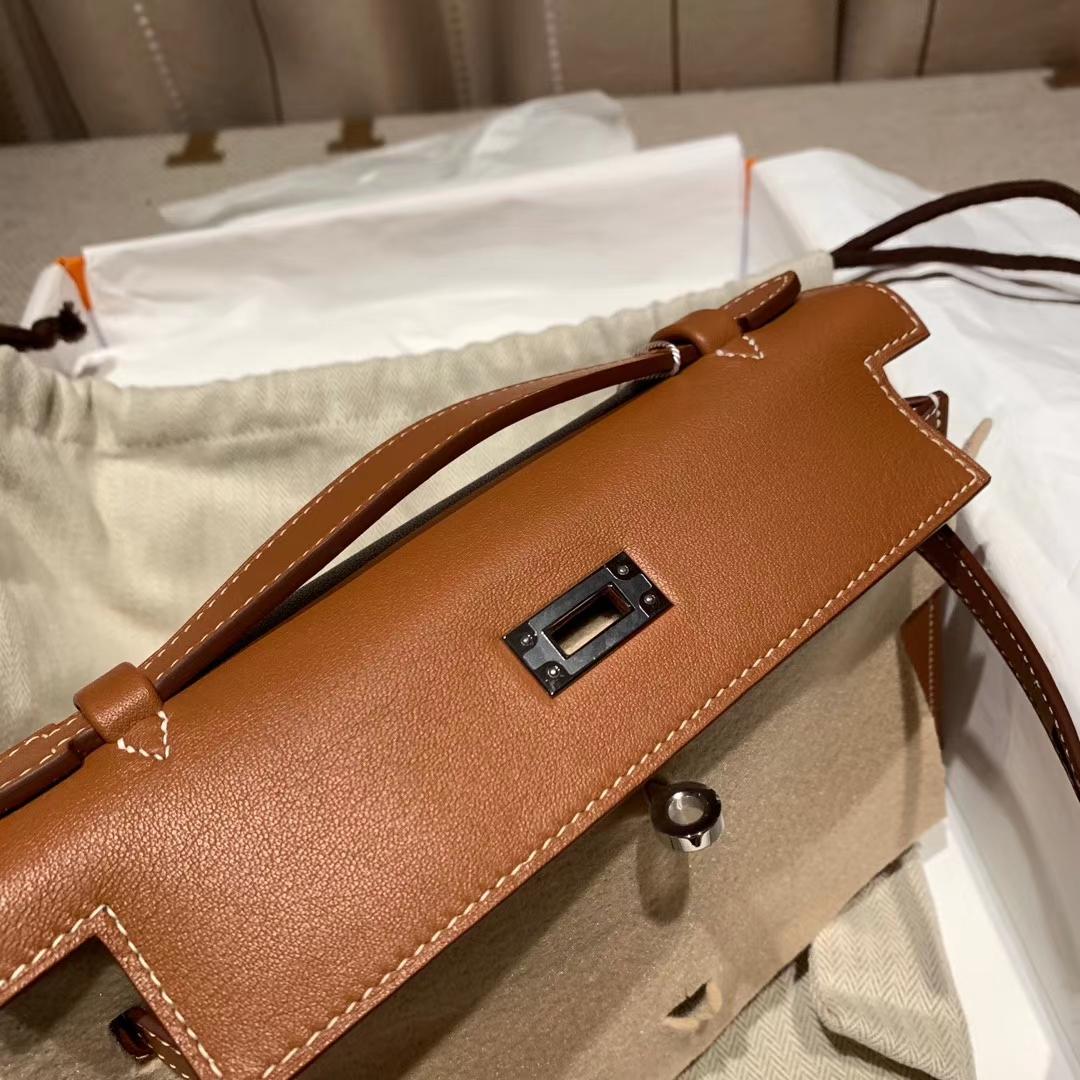 Hermes爱马仕 Mini Kelly Pochette 一代 22cm Swift 37金棕 银扣