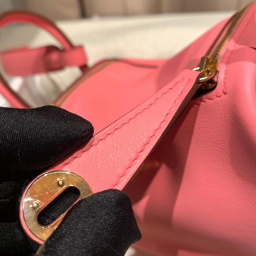 爱马仕包包 Mini Lindy 19cm Swift K4夏日玫瑰粉 金扣