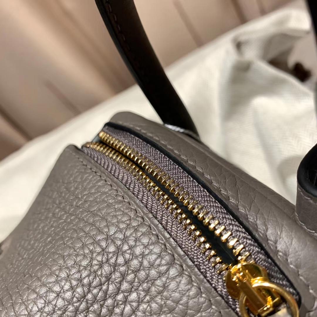 爱马仕中国官网 Mini Lindy 19cm Clemence Tc皮 8F锡器灰 金扣