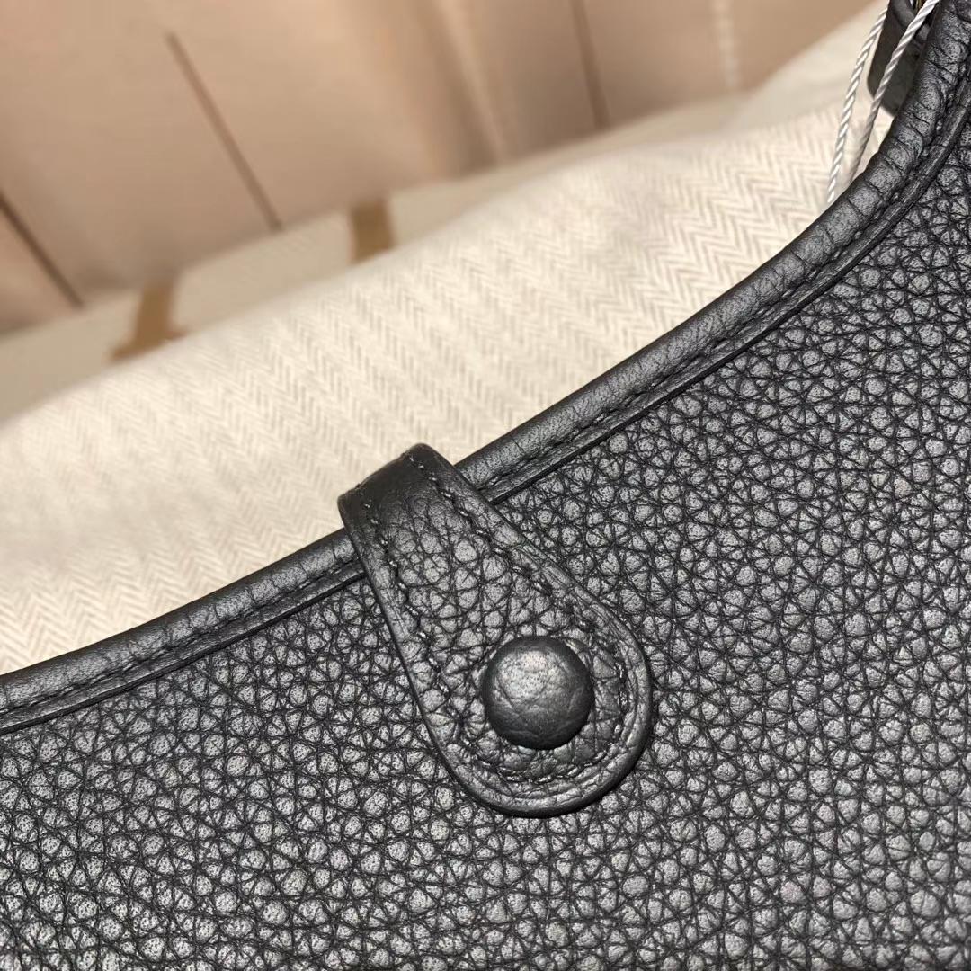 Hermes爱马仕 Evelyn 16cm Clemence Tc皮 89黑色 金扣