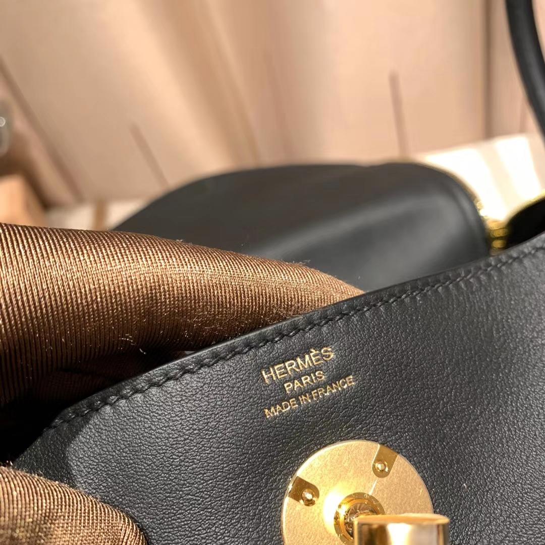 Hermes爱马仕 Lindy 26cm Swift 89黑色 金扣