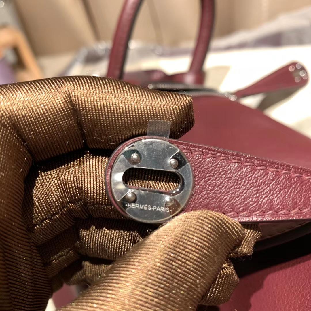 爱马仕中国官网 Mini Lindy 19cm Swift 57波尔多酒红 银扣