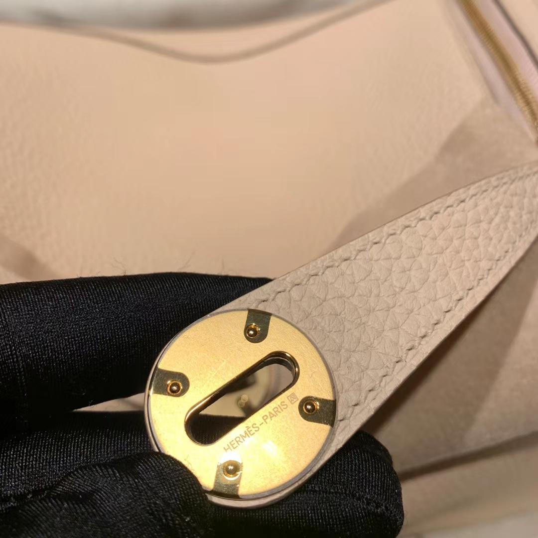 Hermes爱马仕包包 Lindy 26cm Clemence Tc皮 P1蔷薇粉 金扣
