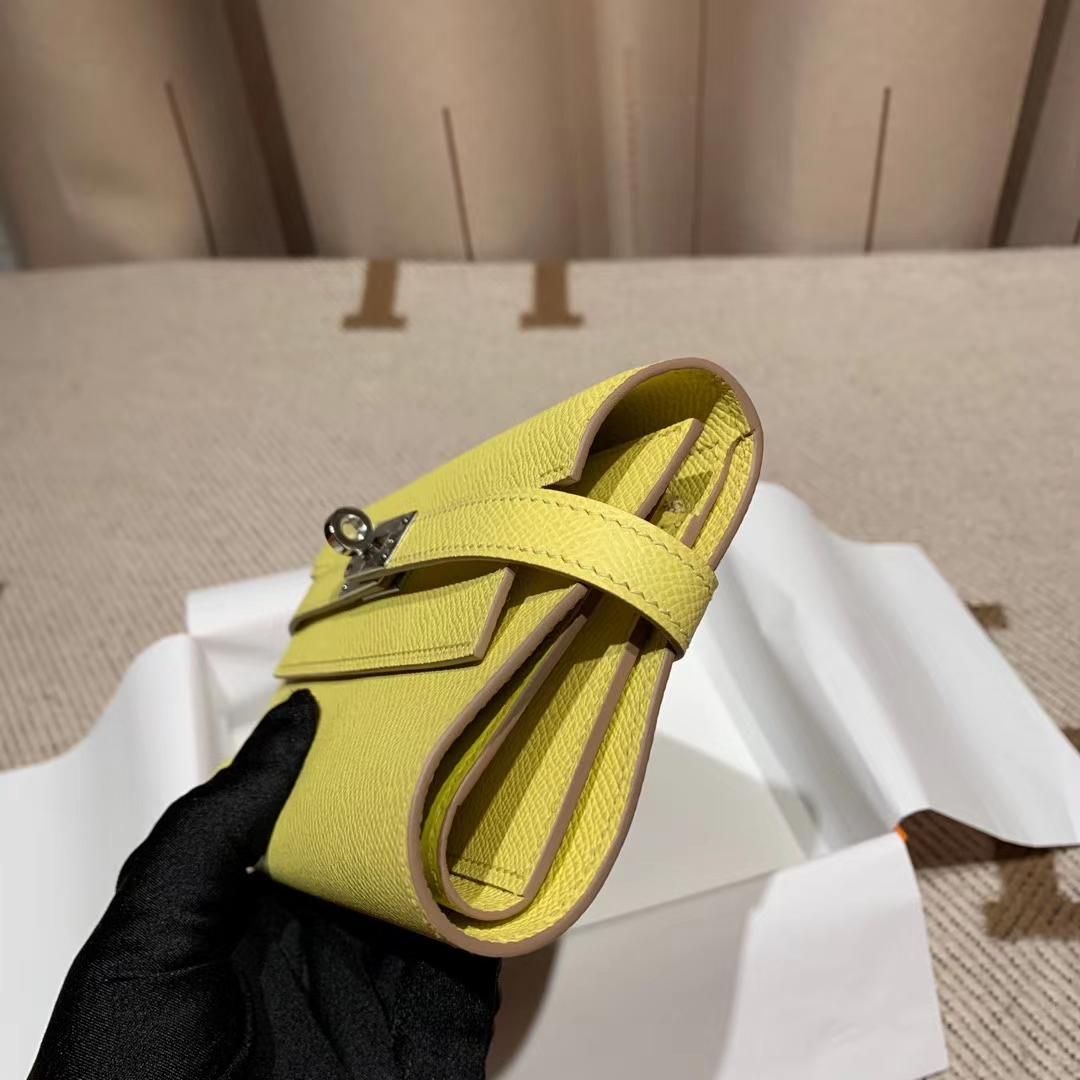 Hermes爱马仕 Kelly Compacr Waller Epsom C9鹅蛋黄 银扣 小版的Kelly钱包