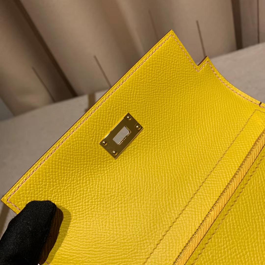 Hermes爱马仕 Kelly Compacr Waller Epsom X9锦葵紫拼9O那不勒斯黄 金扣 小版的Kelly钱包