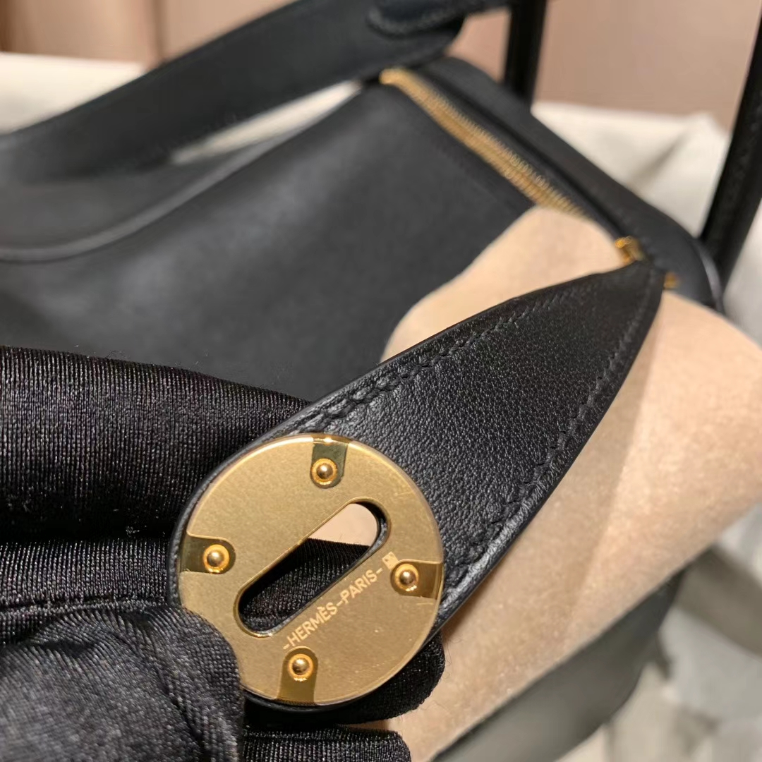 Hermes爱马仕包包 Lindy 26cm Clemence Tc皮 89黑色 金扣